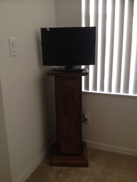 Television with DVD player in Master 2